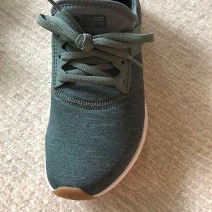 New Balance Shoes - New Balance - size 8 - like new!